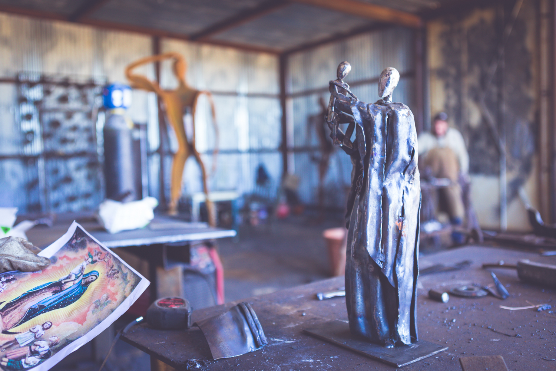 Foto escultor Toni Mari Xabia
